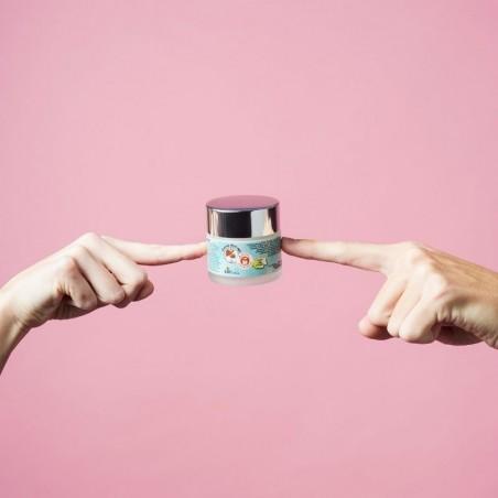 Crema Anti-age de Chufa Ecológica Món Orxata - Envase manos