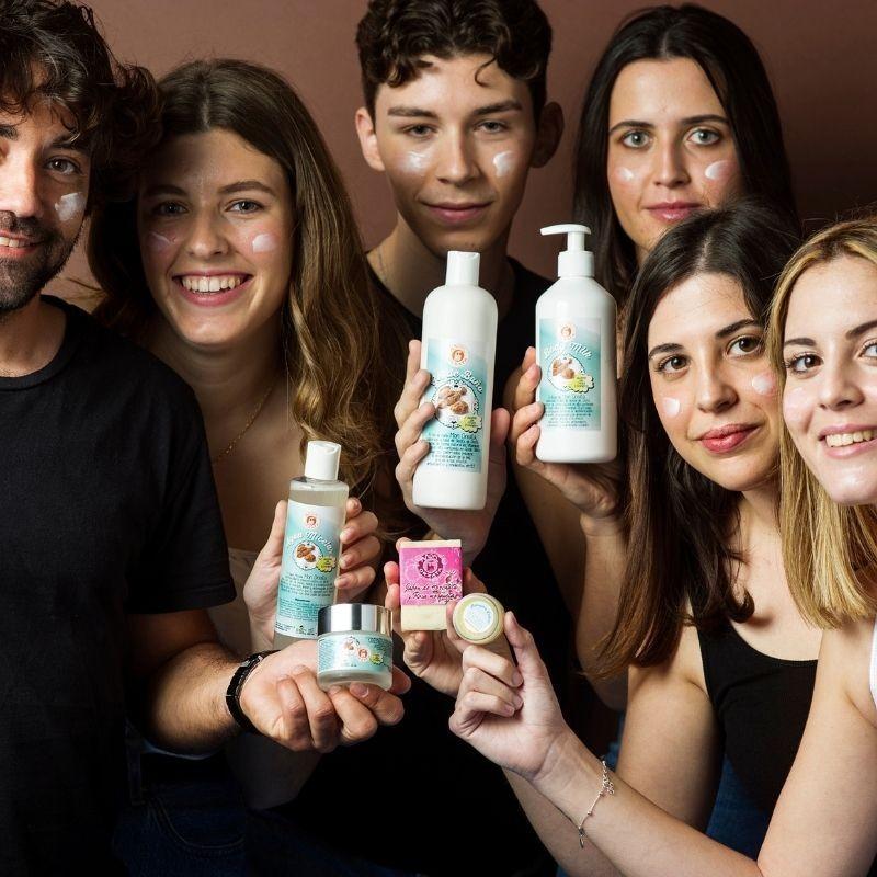 Jabón Natural de Horchata Rosa Mosqueta de Aceite de Chufa Ecológica Món Orxata - Personas